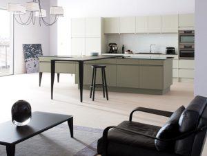 arthur bonnet se couvre de bronze meubles finel lessay 50. Black Bedroom Furniture Sets. Home Design Ideas